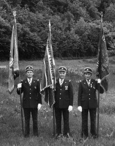 Les trois premiers drapeaux de l